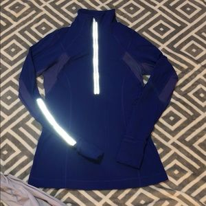 Lululemon half zip Define sweater size 6